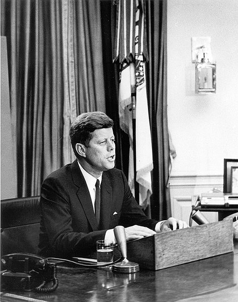 473pxpresident_kennedy_addresses_na