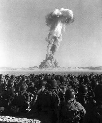 Atom_bomb_test_1951